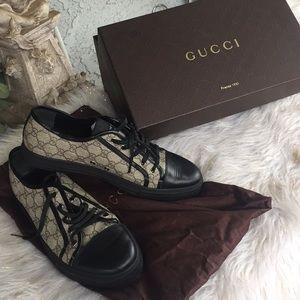 Gucci Ace sneaker 309462 size 10  black Like new